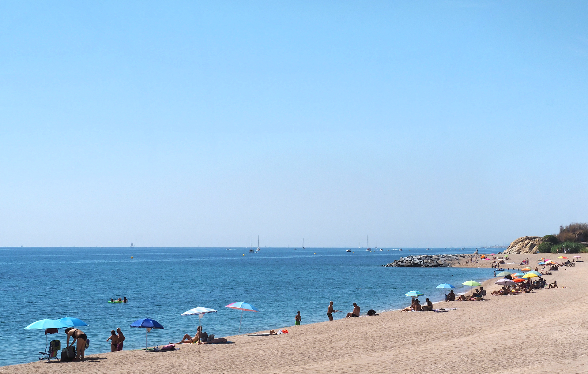 The beaches of Montgat are a 30 minutes from Barcelona by train. Choosing one of the endless beaches of Costa Brava will be your most difficult decision of the day.